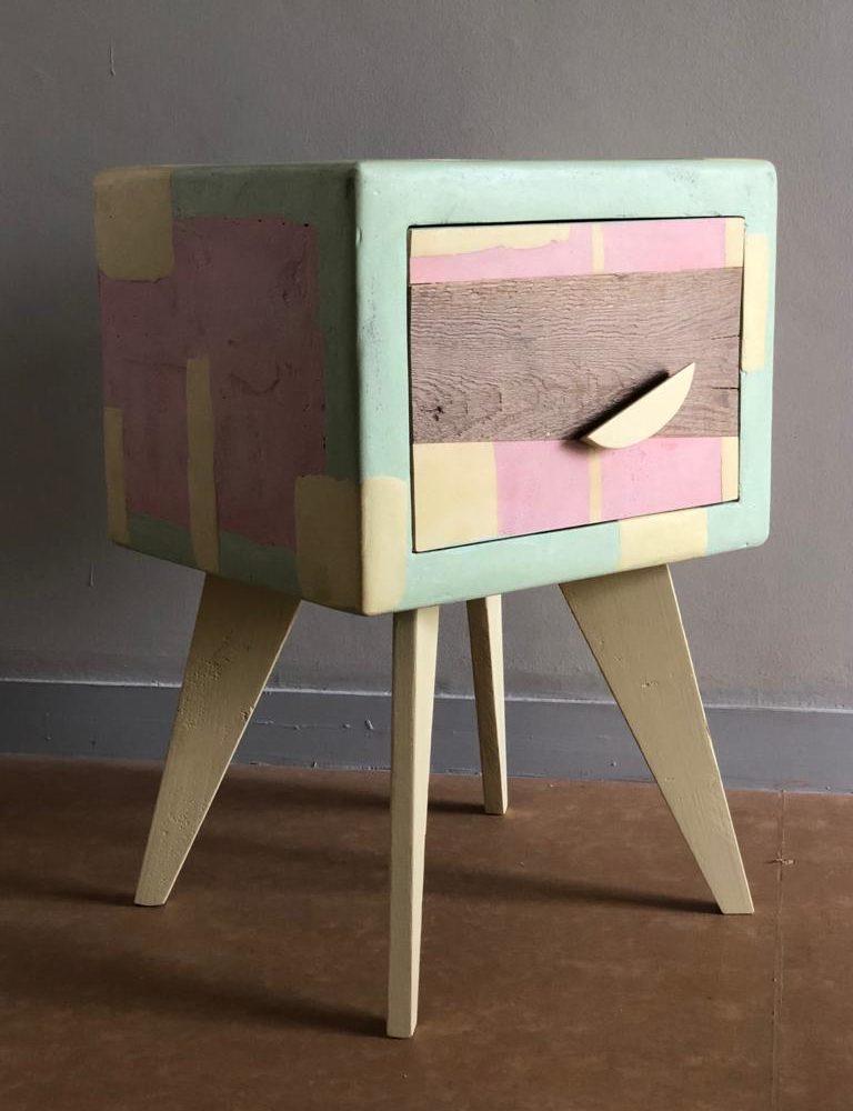 Piccolo mobile contenitore Pupazzo Clown legno di recupero e resina
