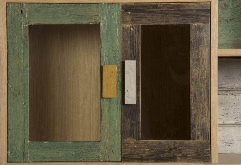 AAnte in legno di recupero verde e ocra
