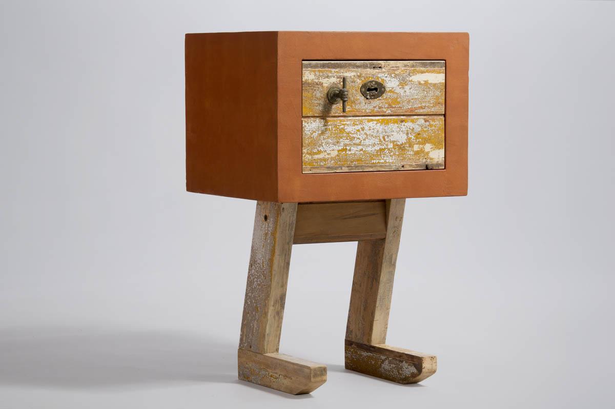 mobiletto in legno riciclato arancio