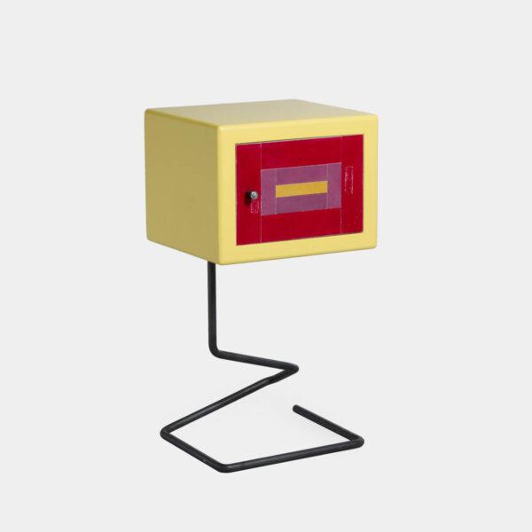 Comodino di design giallo e rosso