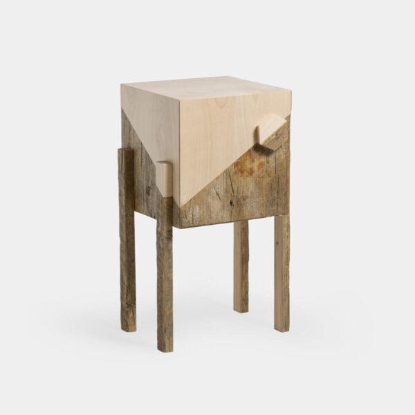 Comodino in legno massello e riciclato