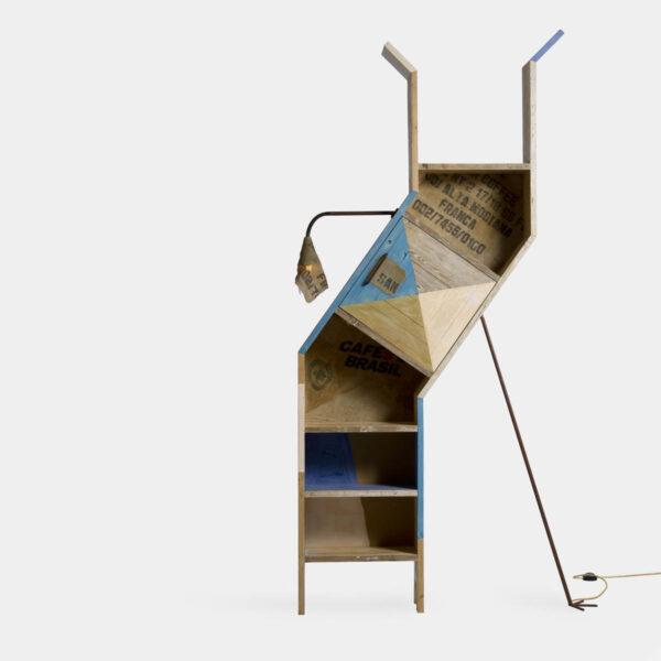 Libreria alta legno colorato